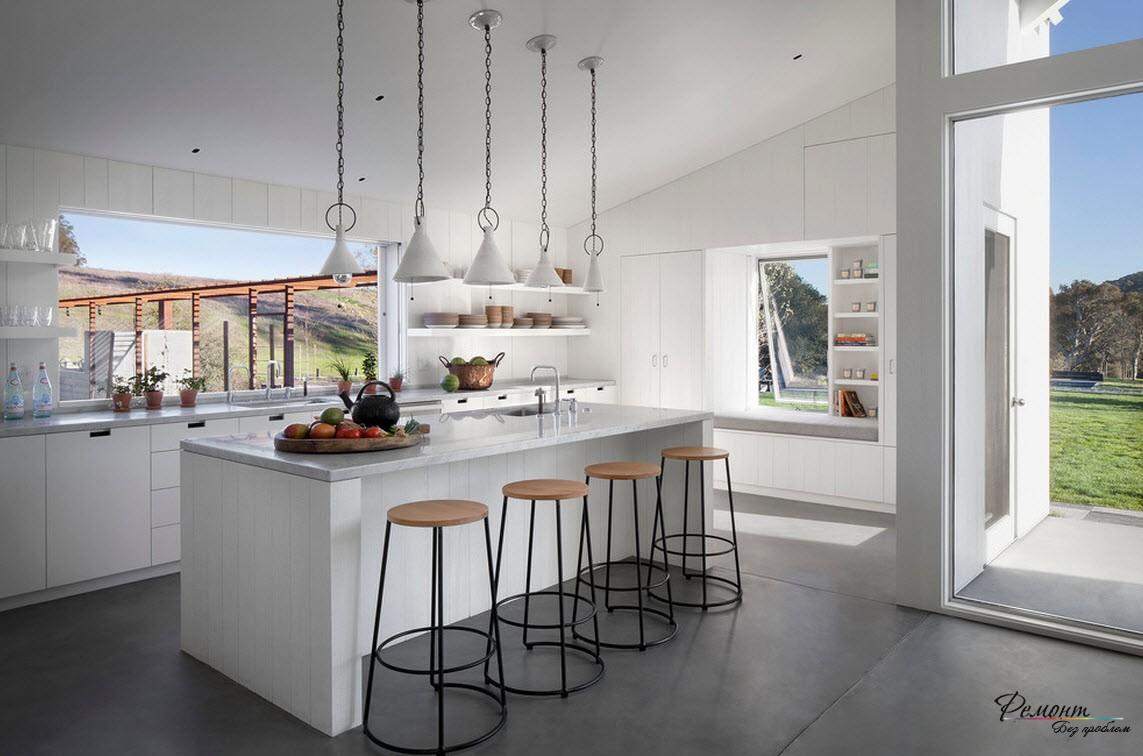 Дверь на кухне с выходом на чудесную природу