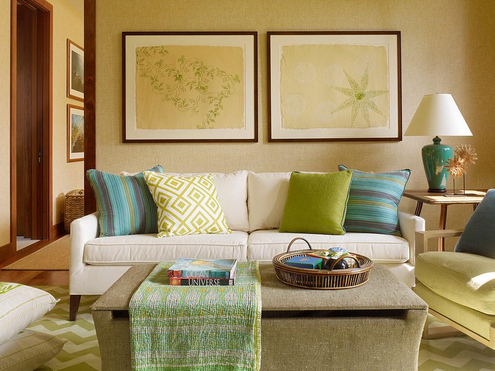 Красивые диванные подушки в интерьере гостиной: украшаем дизайн комнаты интересно