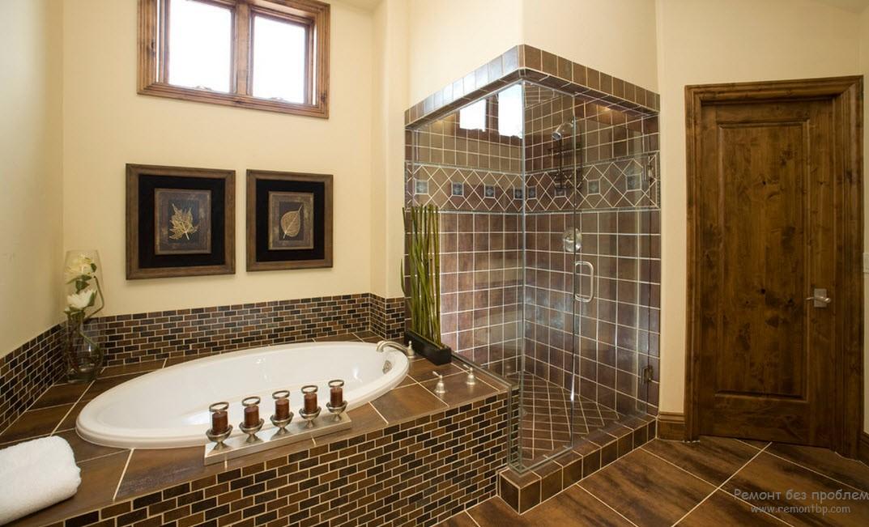 Очень эффектный комбинированный вариант декорирования плиткой интерьера ванной комнаты
