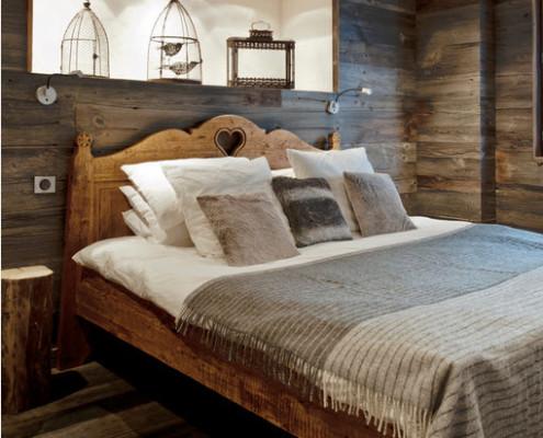 Спальная комната в стиле шале
