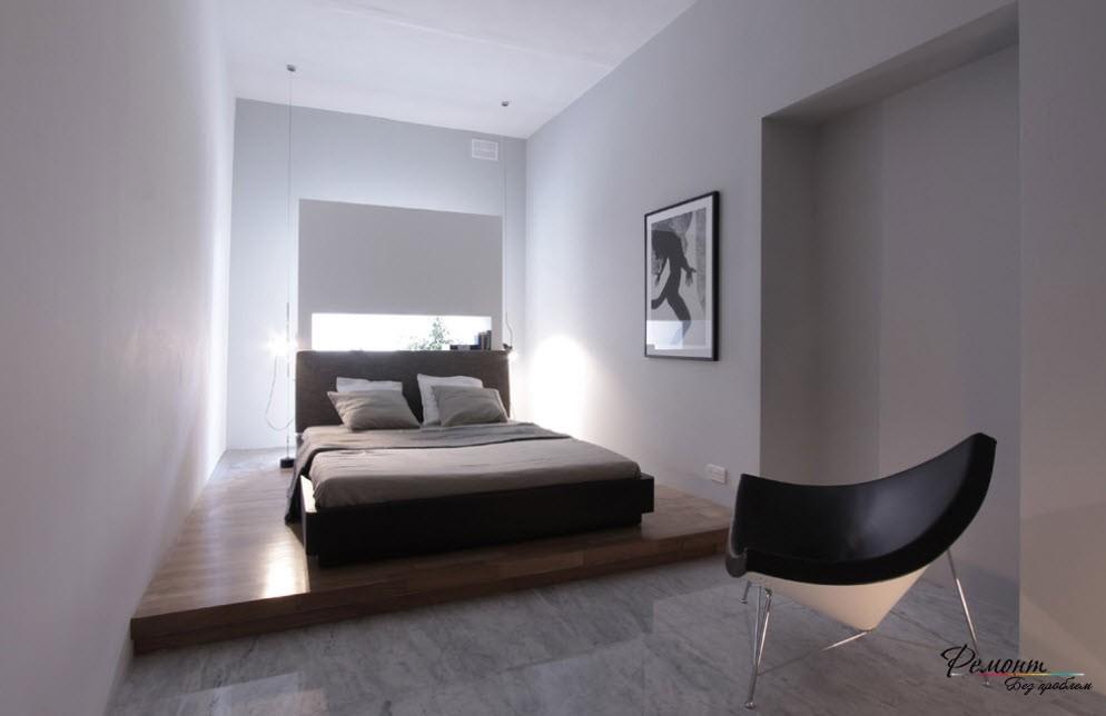 Спальная зона выделена подиумом