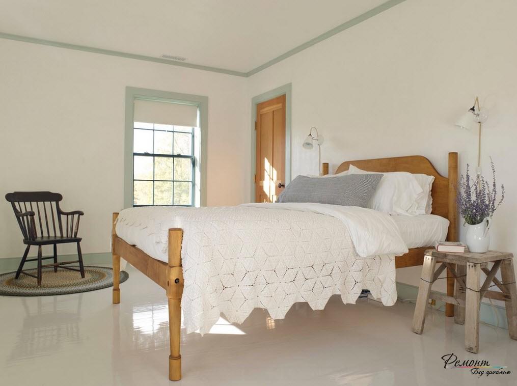Мебель в классическом виде также выполнена просто и без излишеств