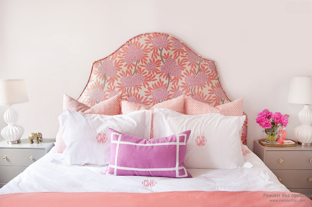 Уютная и стильная розовая спальня