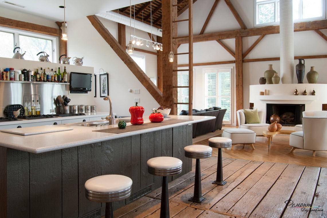 Старые деревянные балки можно чудесно обыграть в интерьере кухни