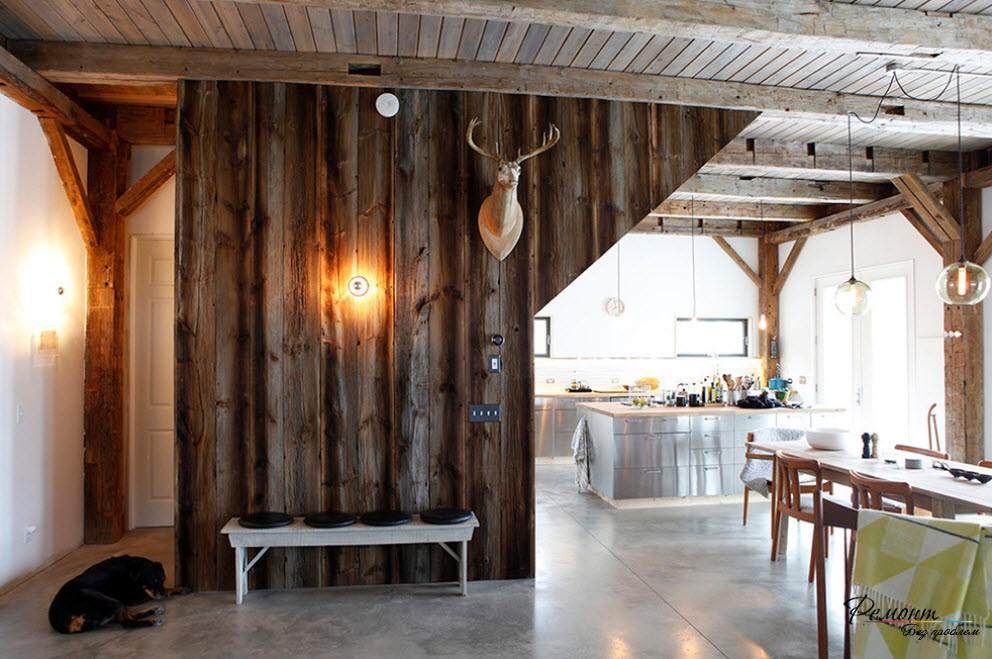 Интерьер деревянных домов внутри фото декорация деревянных столбов