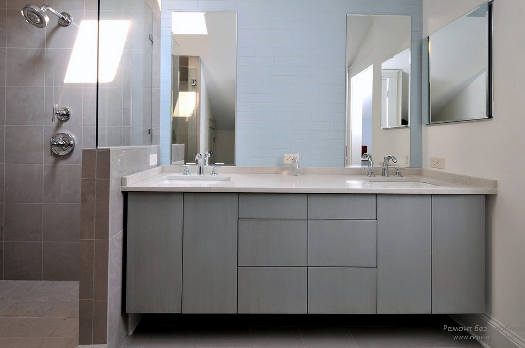 Светло-серая мебель для ванной комнаты - очень элегантно