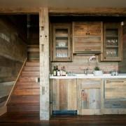 Стильная деревянная лестница