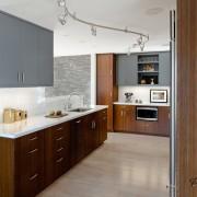 Строгая матовая кухня