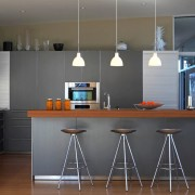 Интересные скамейки на кухне