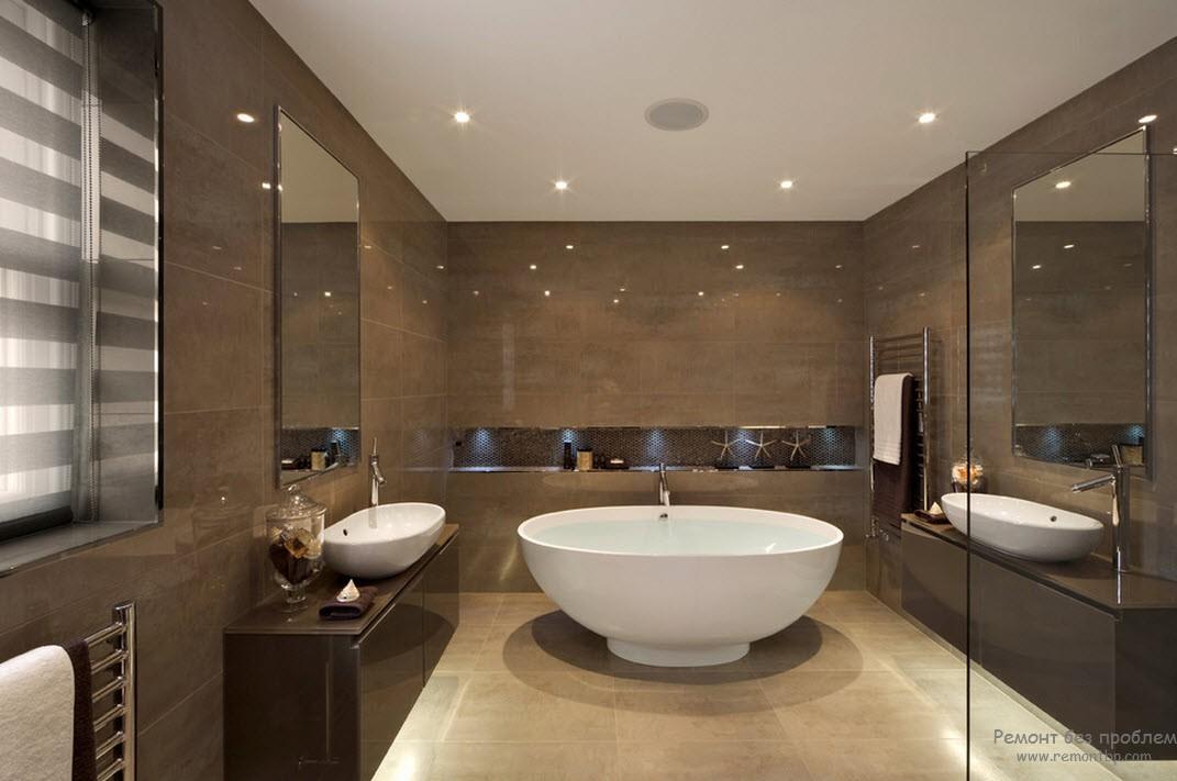 Коричневый со светло-бежевым в интерьере ванной комнаты создает тепло и уют
