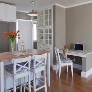 Светлая мебель и серые стены