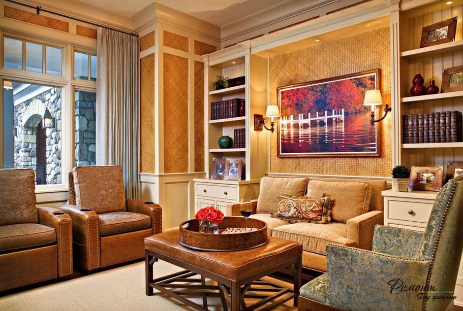 Текстильные обои спсобны создать роскошный интерьер в помещении зала