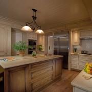 Кухня с использованием разных пород дерева