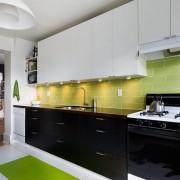 Яркие контрасты на кухне