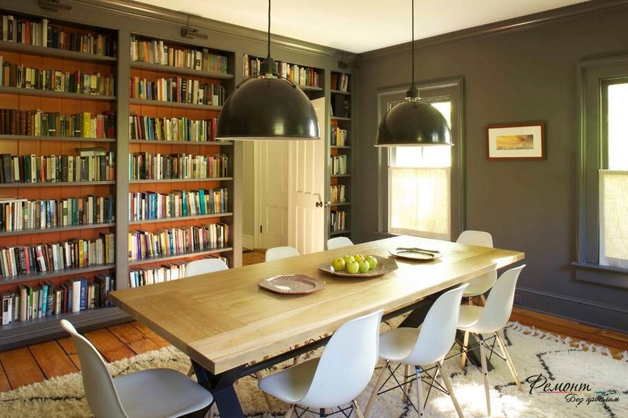 Если книг много, они могут занять целую стену, чтотпридаст особую стильность интерьеру