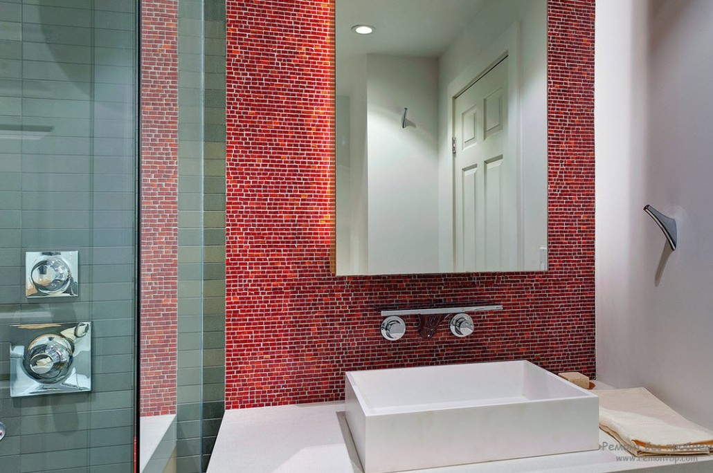 Mirrored tile