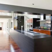 Матовая кухня в интерьере: темные и светлые оттенки в дизайне комнаты