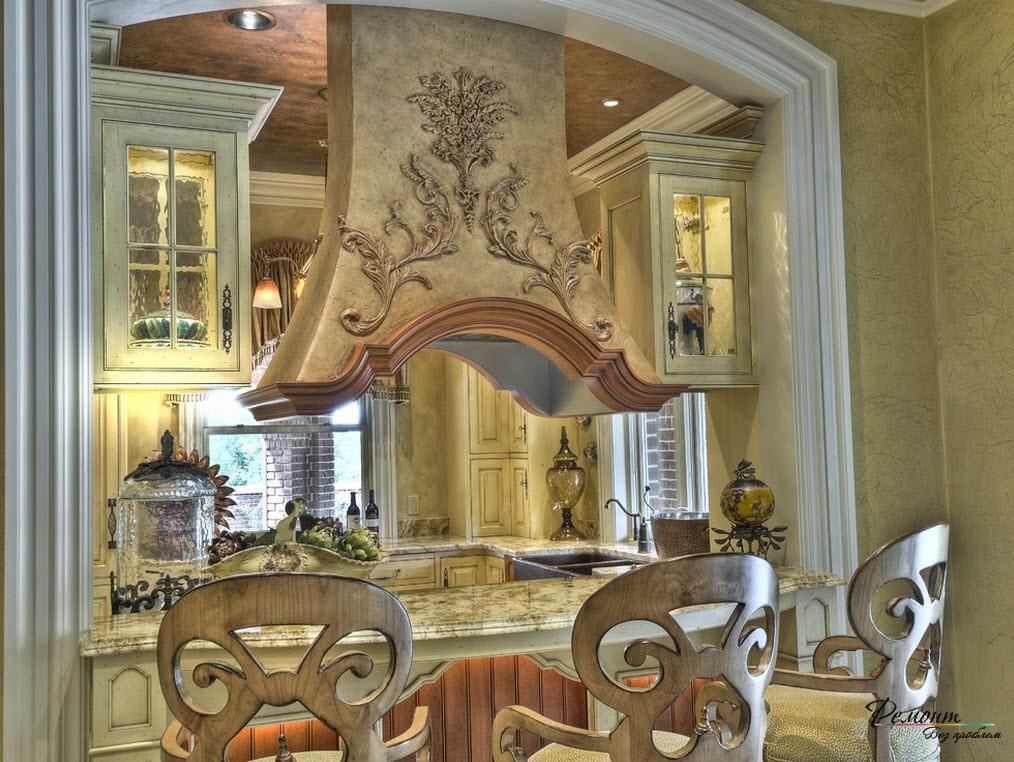 Мебельные гарнитуры делаются предпочтительно из светлых пород дерева