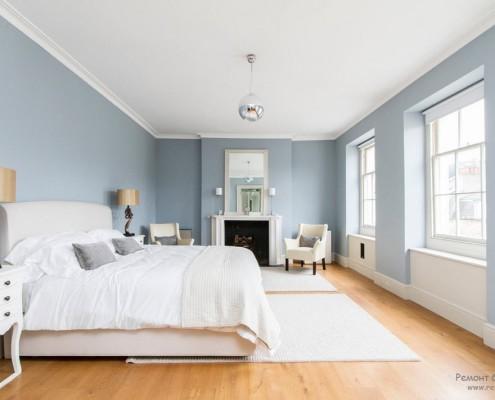 Голубой интерьер комнаты