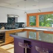 Обаденный стол как яркий акцент в интерьере кухни