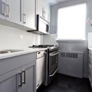 Светлая матовая кухня