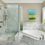 Дизайн угловой ванной – удобно и стильно