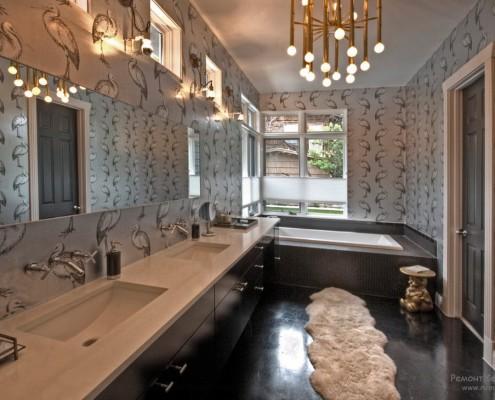Поверхность стен в ванной комнате