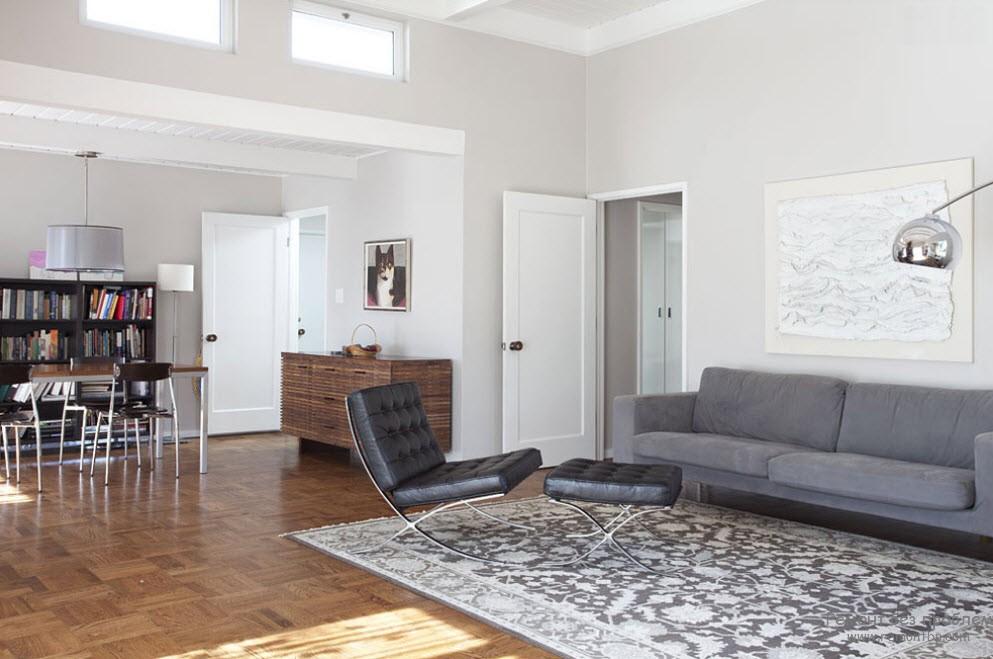 Белые двери в стиле минимализма