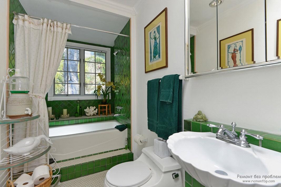 Наилучшее сочетание зеленого с белым в интерьере ванной комнаты