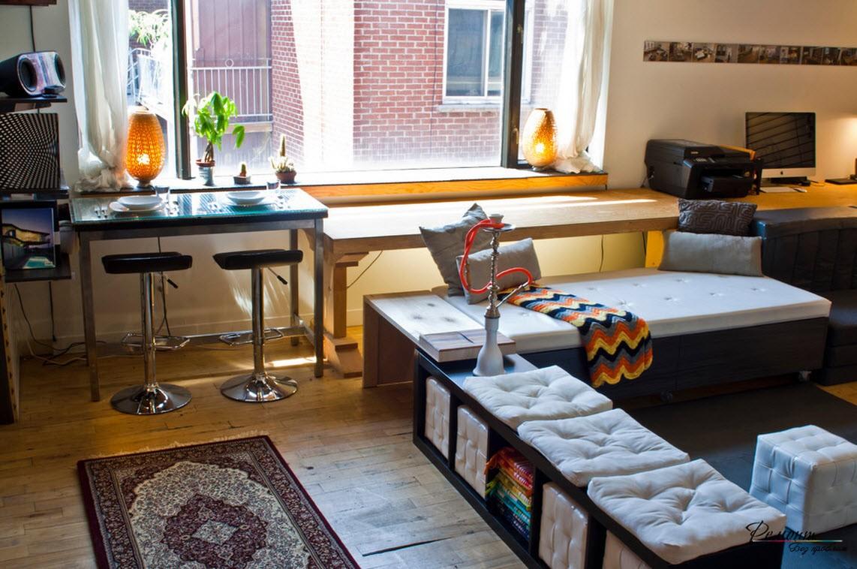 Зонирование однокомнатной квартиры можно выполнить с помощью мебели