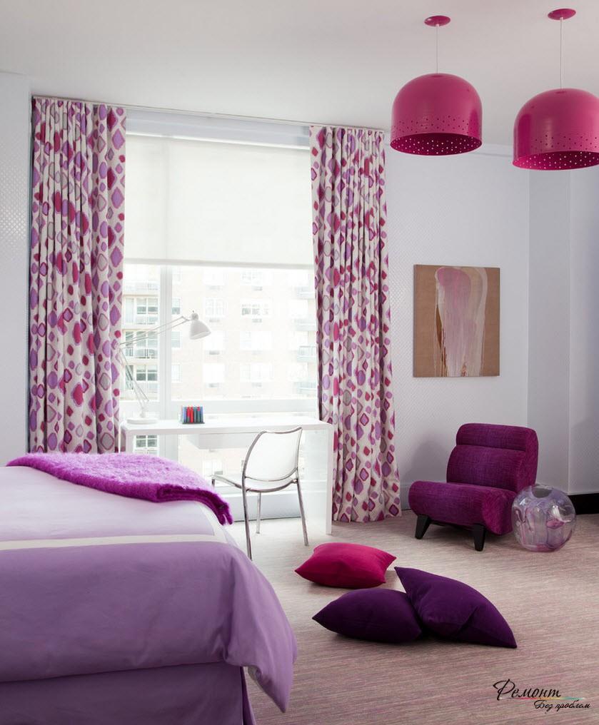 Сочетание фиолетового и красного цветов