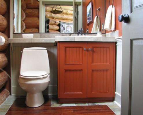 Компактная туалетная комната в деревенском стиле (рустик)