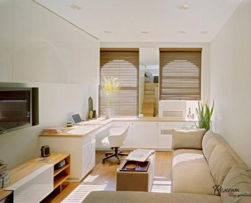 вам решать, что лучше, пустые оконные проемы, в лучшем случае, с жалюзи, или окна, декорированные шторами
