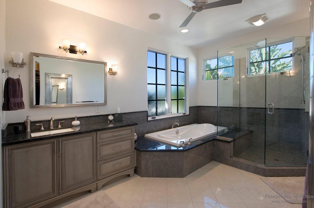 Элегантный интерьер ванной комнаты в серых тонах