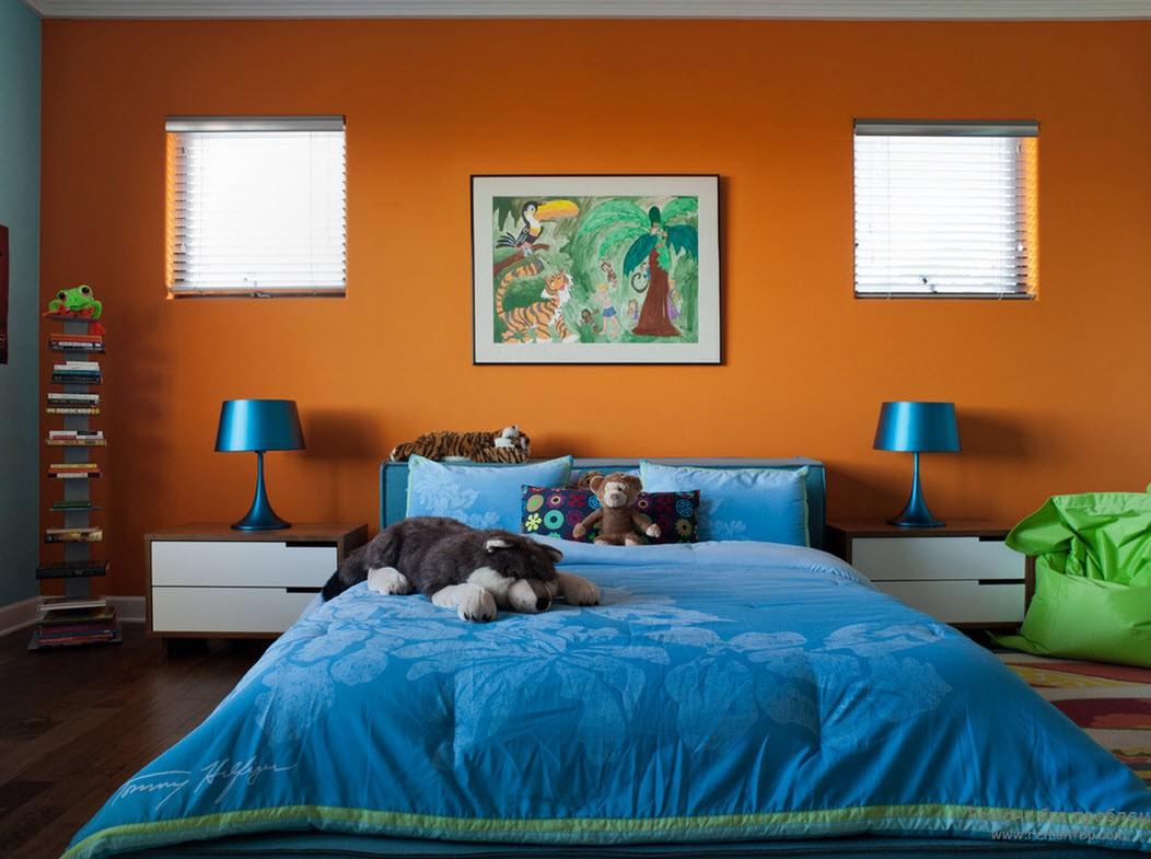 Сине-оранжевый интерьер