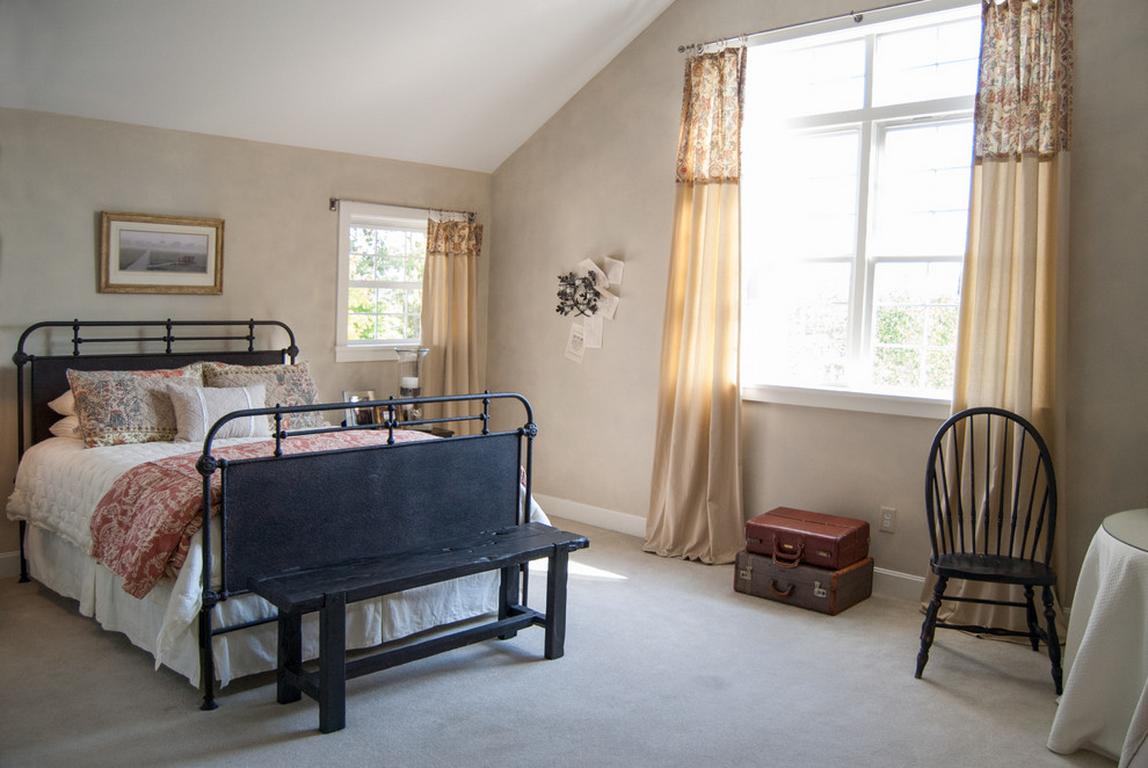 Интерьер и дизайн штор в спальной комнате, Красивые варианты оформления окон