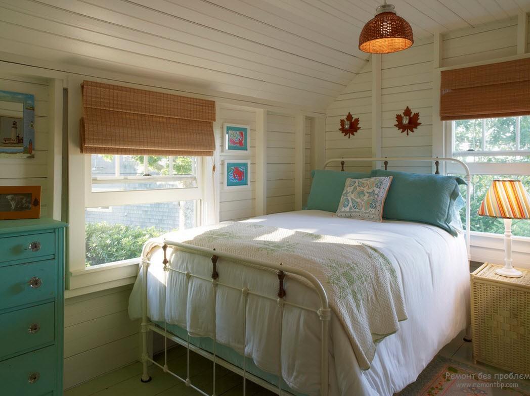 Свет в бирюзовой спальне