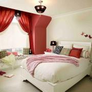 Шикарный оконный проем - изюминка спальной комнаты