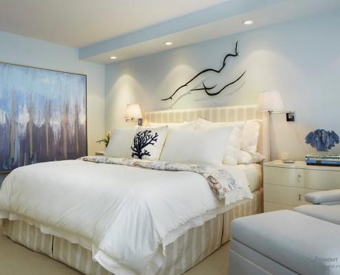 Голубые тона в спальной
