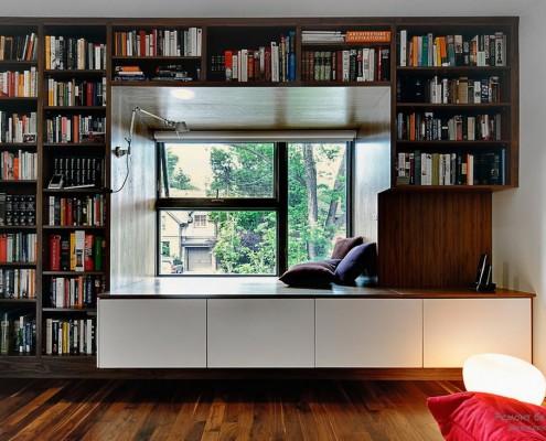 Рулонные шторы в дизайне окна