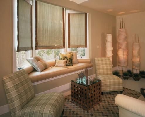 Окно с встроенным диваном