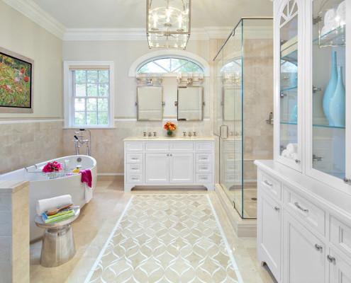 Большая ванная в бежевом цвете