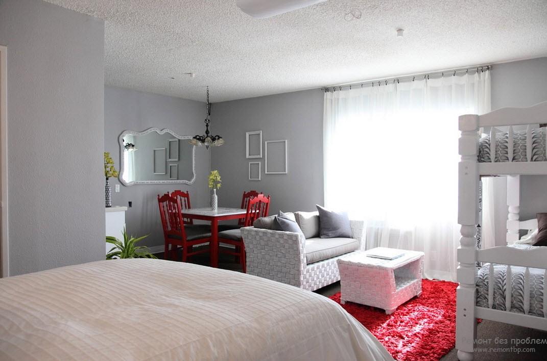 Красно - серый цвет в спальне