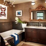 Ванная комната с панелями
