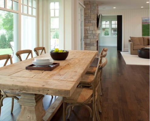 Роскошный деревянный стол