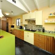 Красочное оформление кухни