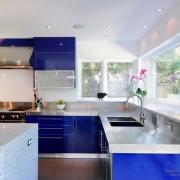 Синие фасады мебели