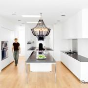 Белоснежная матовая кухня