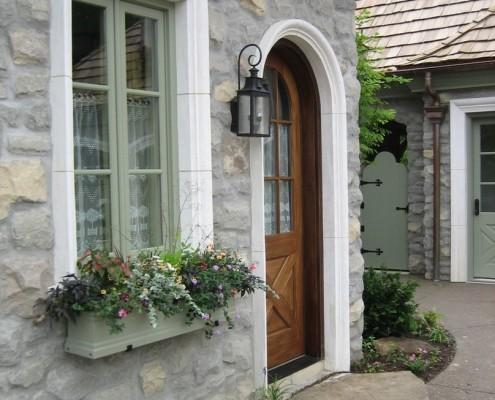 Декор окна и двери