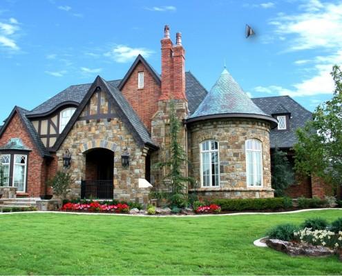 Фасад дома в английском (викторианском) стиле